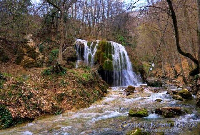 Ускутский-водопад-осенью
