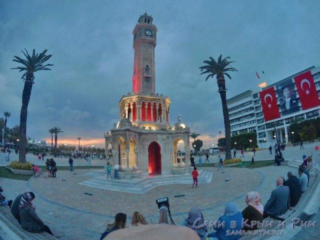 Часовая башня на Конак площади