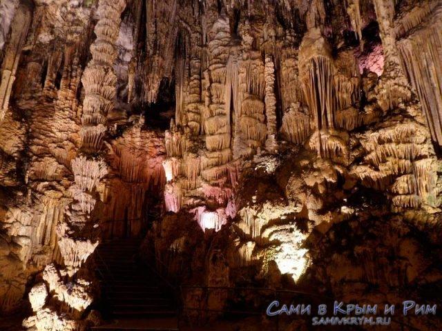 Чудесный потолок Мамонтовой пещеры