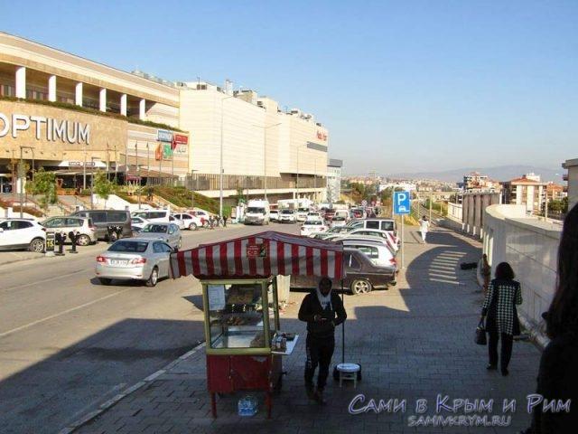 Оутлет рядом с аэропортом Измира