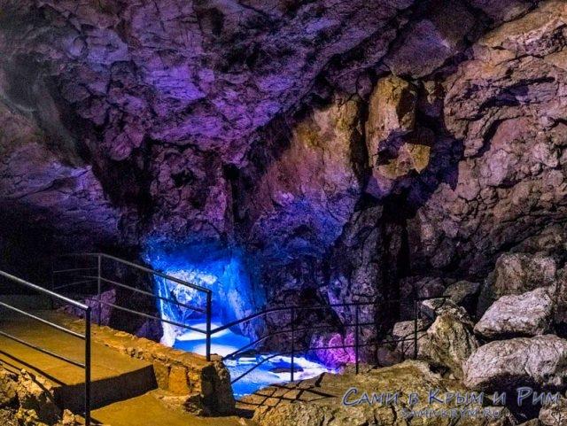 В недрах Красной пещеры
