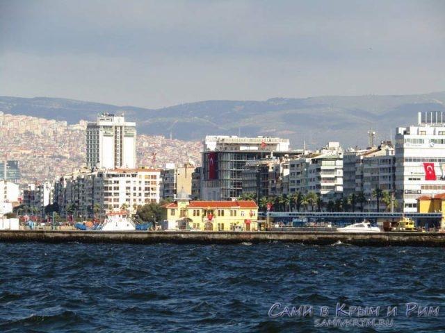 Вид с моря на Измир