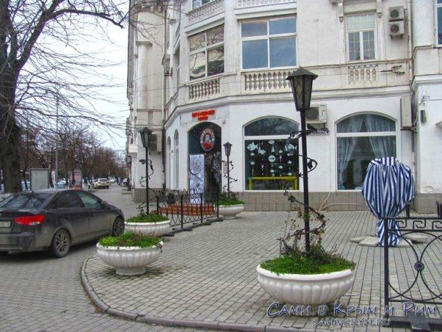 Кот-в-матроске-ресторан-в-Севастополе