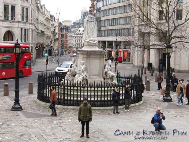 На улицах Лондона только мы и китайцы