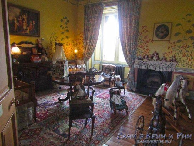 Детская комната в замке