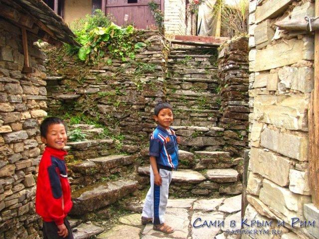 Играем с малыми в деревне