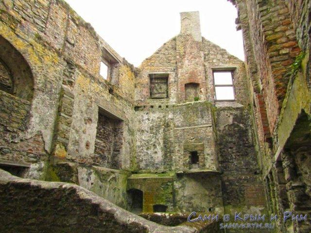 Останки некогда великолепных построе форта