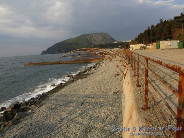 Пляж-базы-отдыха-Таврида-Азот