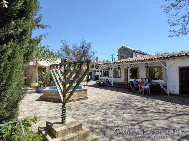Синагога и кафе в Евпатории