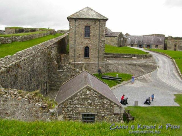 Вход в форт и в музей