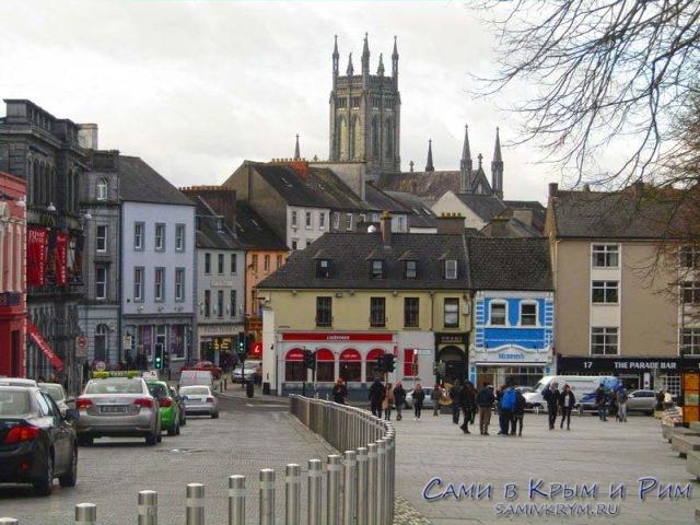 Вид на пешеходную часть рядом с замком