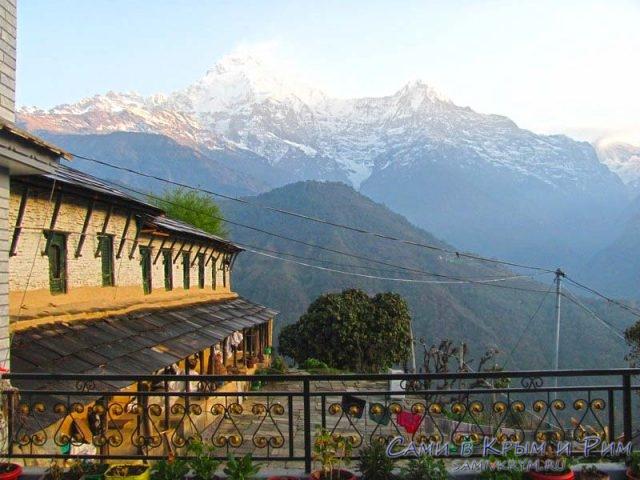 Хребет одних из самых высоких гор Непала
