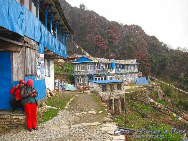 Непальцы тоже сидят в соц сетях
