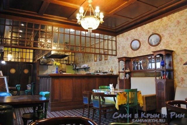 Внутри ресторана Тайная Вечеря-Базар