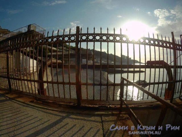 Проход на пляж санатория МВД перекрыт