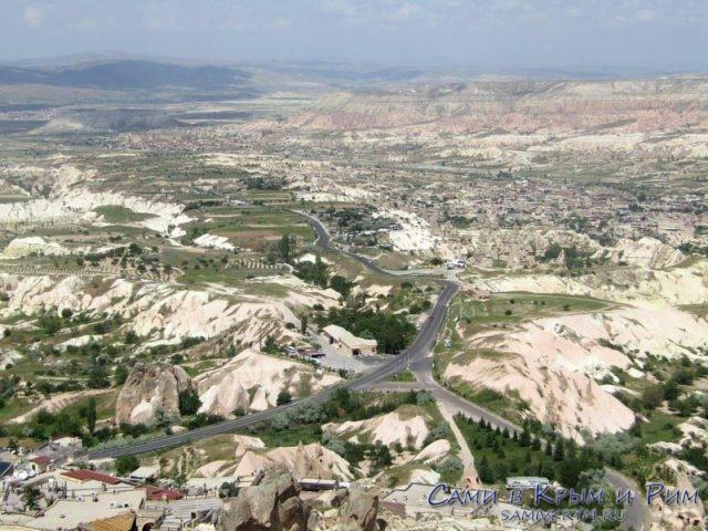 Вид на Каппадокию с крепости Учхисар