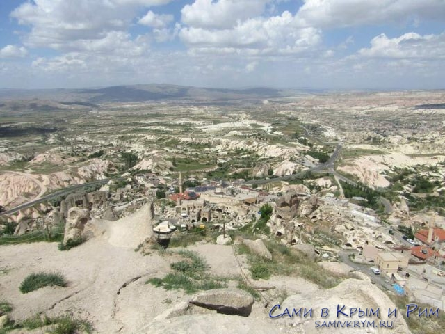 Вид с крепости Учхисар на долины
