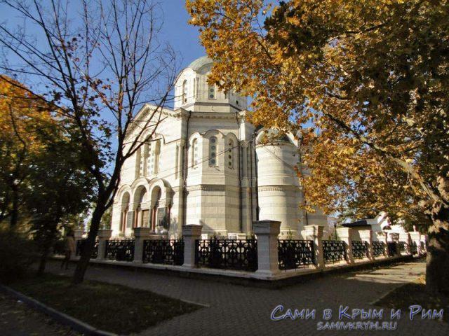Владимирский-храм-на-центральном-холме