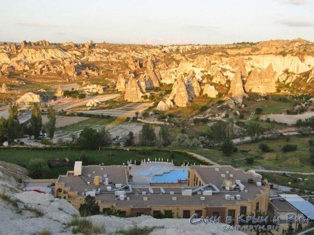 Вид на долины и отель Турист
