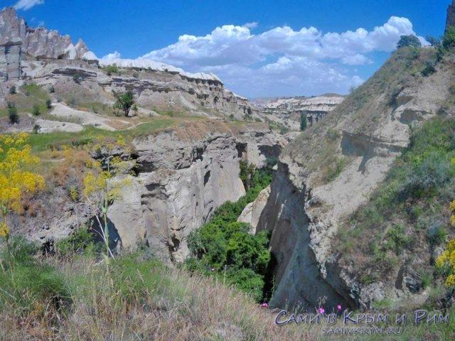 Вид на ущелье перед выходом из 2-й части