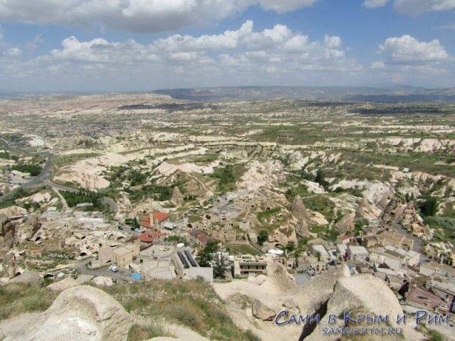 Вид с крепости на долины Гереме