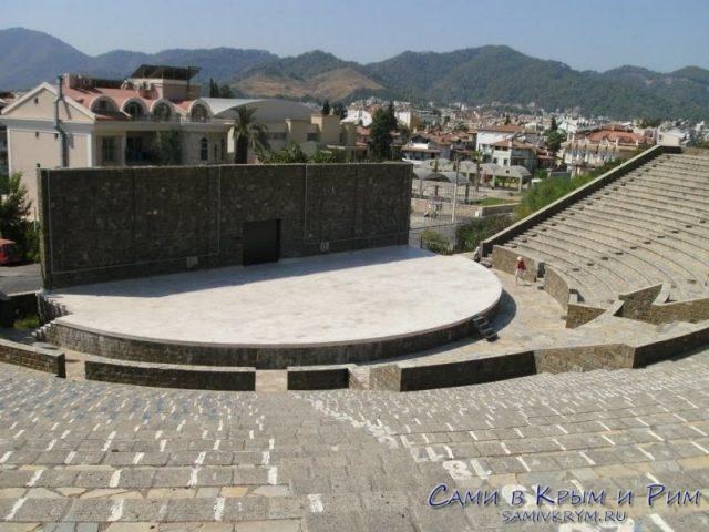 Амфитеатр в Мармарисе