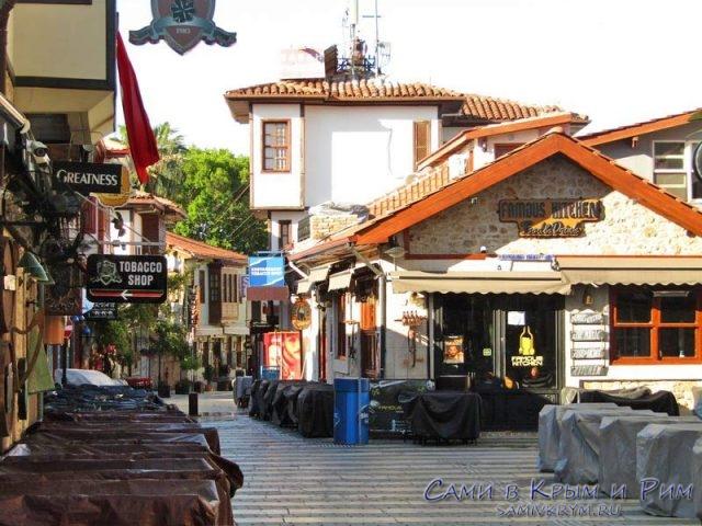 По улочкам старого города Анталии