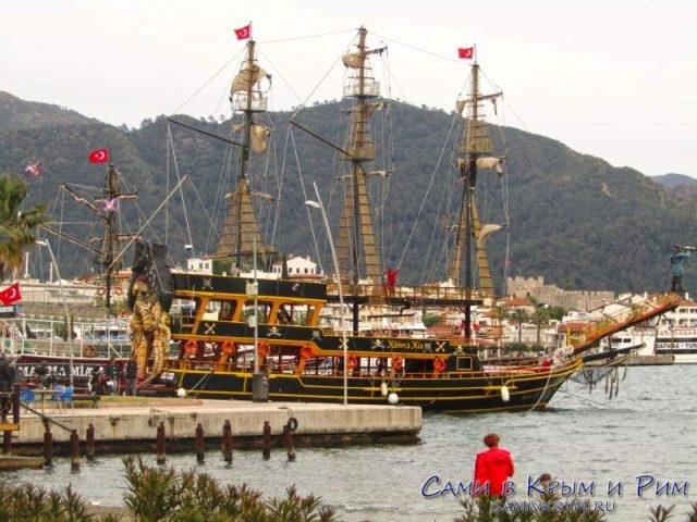 Туристические кораблики Мармариса