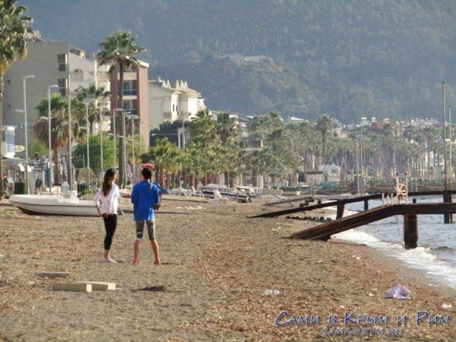 Утренние занятия спортом на пляже