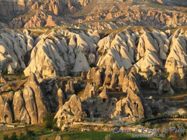 Вид сверху на долину Сабель