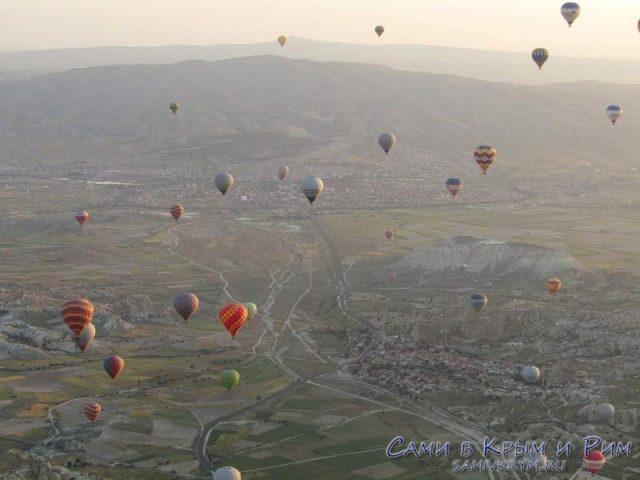 Воздушные шары на рассвете в Каппадокии
