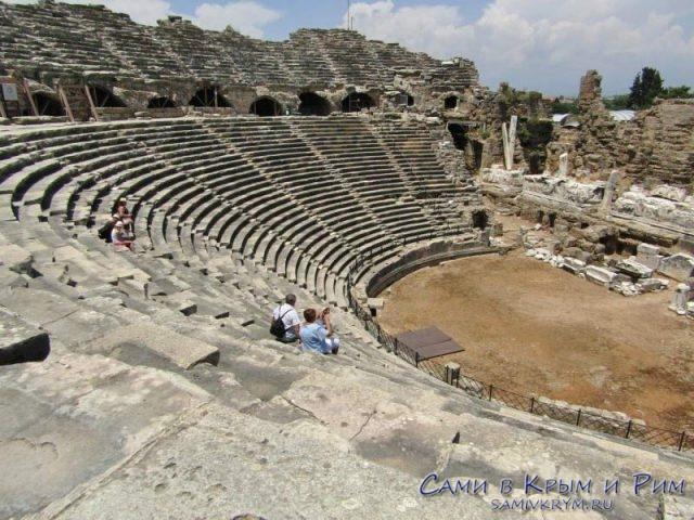 Античный театр вид сверху