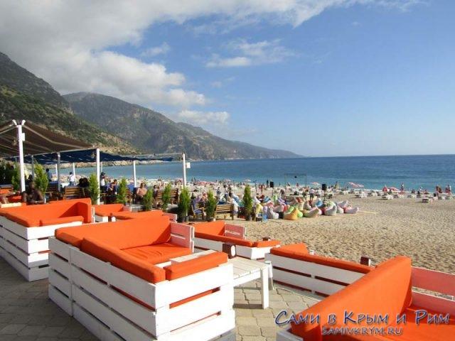 Пляжный кафе в Олюдениз