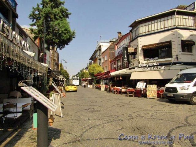 Akbıyuk Caddesı улица с ресторанами