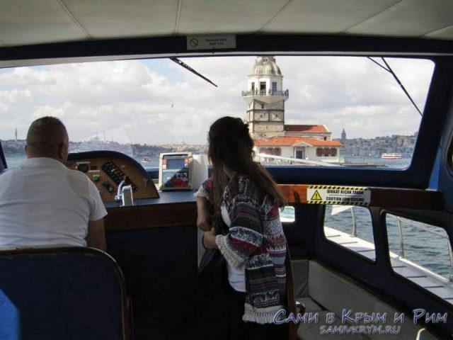 Вид из катера на башню