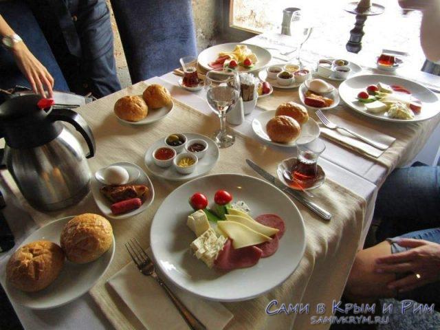 Завтрак в девичьей башне