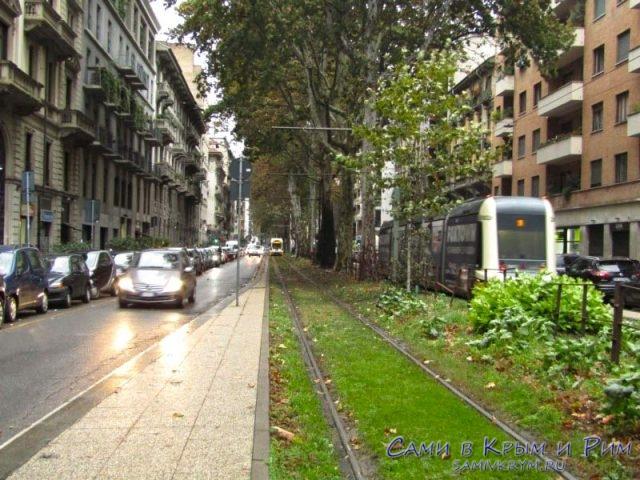 Движение современных трамваем в Милане
