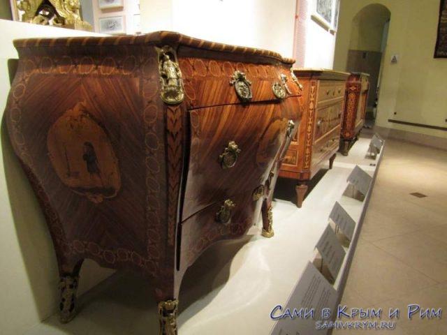 Музей мебели в замке