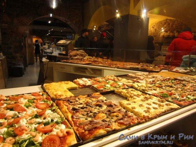 Пицца на толстом слое теста