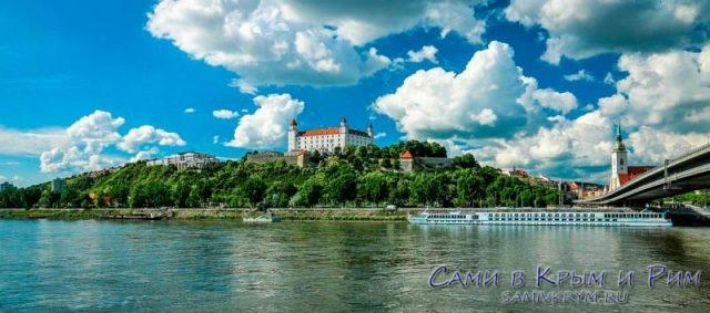 По Дунаю на прогулочном катере