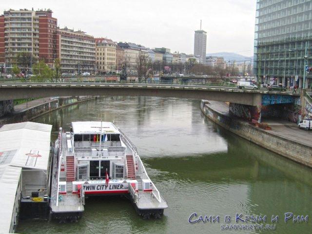 Прогулка на катере по Дунаю