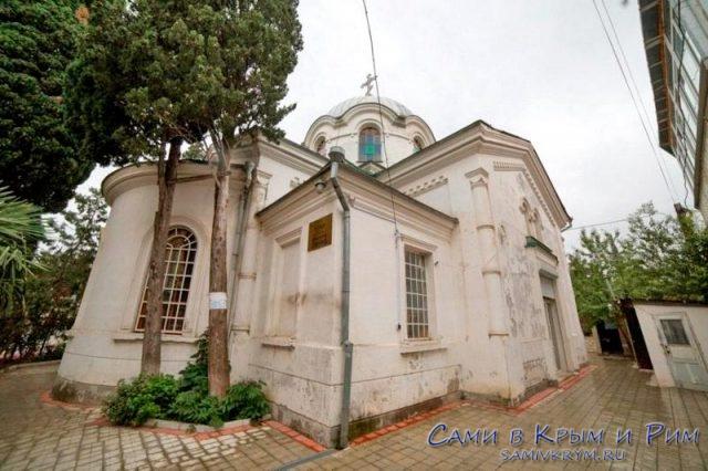 Церковь Федора Тирона