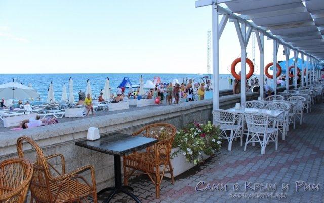 Реконструкция Приморского пляжа и парка в Ялте: успеют ли к сезону?