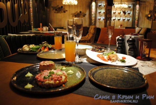 Шикарный ужин в ресторане Гуси