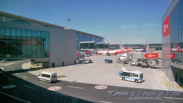 Парковочная-зона-для-самолетов-перед-гейтами