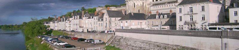 Королевский замок у реки Луара
