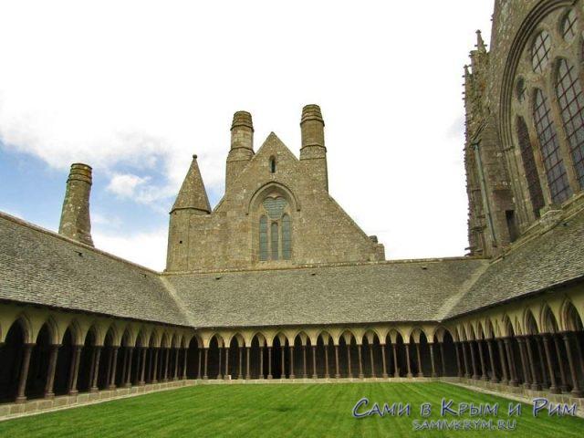 Крытые галлереи в аббатстве