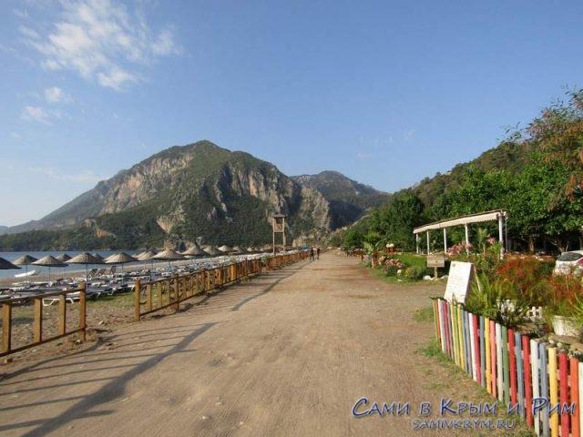 Прогулки вдоль моря и ресторанов в Чирали