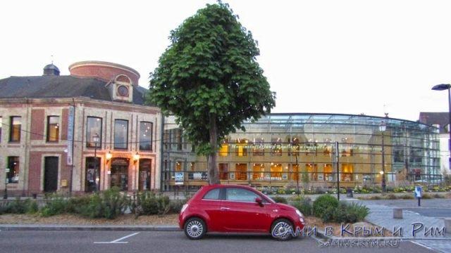 Вечерняя парковка в Онфлере