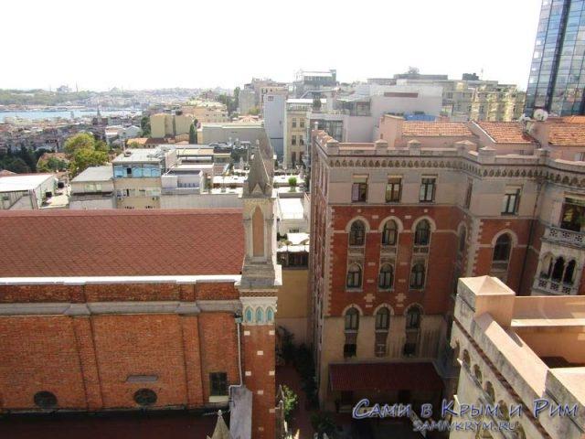 Вид из клуба 360 на собор